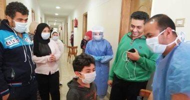 صور.. صحة الدقهلية: خروج 24 حالة من العزل بالمنصورة بعد سلبية تحاليل كورونا