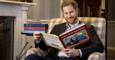 الأمير هارى يحتفل بالذكرى الـ 75 لشخصية الكارتون المفضلة له.. فيديو