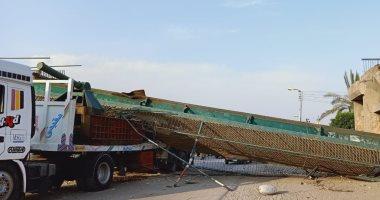 عمدة قرية السلام عن كوبرى المنهار جزئيا: قديم وتعرض لتصدعات ثلاث مرات