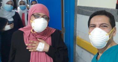 """""""زغاريد"""" احتفالية بتعافى رئيس تمريض مستشفى العجمى من فيروس كورونا"""