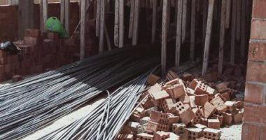 جهاز مدينة 15 مايو يشن حملة مكبرة لإزالة مخالفات البناء والتعديات على الأرصفة