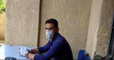 """الجيش الأبيض.. """"محمد"""" مراقب صحى بإدارة تلا الطبية بالمنوفية فى مواجهة كورونا"""