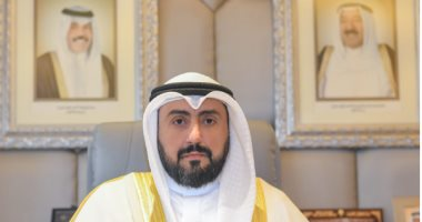 الكويت تلزم المواطنين والمقيمين بارتداء الكمامة فى الأماكن العامة