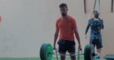 """عبد الله بكري """"بيشيل حديد"""" استعداداً لاستئناف الدوري"""