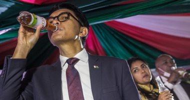 """""""المشروب المعجزة"""" لرئيس مدغشقر يفشل في التصدي لكورونا"""