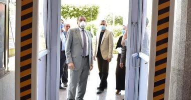رئيس جامعة بنى سويف: تصنيع وتشغيل أول بوابة تعقيم ووحدة غسيل يدوى إلكترونى