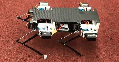 شاهد طلاب يصممون روبوت على شكل كلب باستخدام طابعة ثلاثية الأبعاد