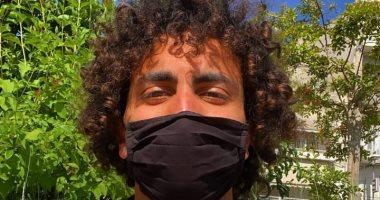 عمرو وردة يظهر بالكمامة السوداء بعد فسخ تعاقده مع لاريسا اليوناني