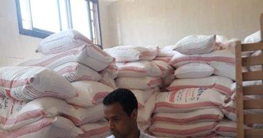 ضبط 31 طنا من الدقيق و264 كيلو مواد غذائية غير صالحة للاستهلاك بأسوان