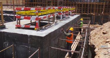 فيديو.. عمال مشروع محطة مياه أسوان الجديدة يتحدون مشقة الصيام بالعمل فى رمضان