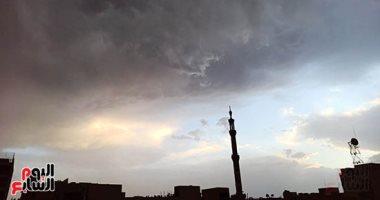 صور.. أمطار ورعد وبرق في سماء محافظة الأقصر