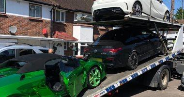 كنز غير متوقع.. شرطة بريطانيا تعثر على 3سيارات فاخرة فى أوكار مخدرات.. صور