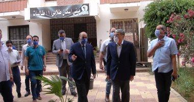 المحافظ ورئيس جامعة المنيا يتفقدان المدن الجامعية لاستقبال العائدين من الخارج