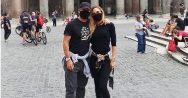 توتى وزوجته يحتفلان بزيارة روما بعد غياب طويل بسبب كورونا.. صور