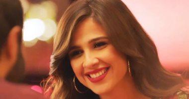 حساب منسوب لشقيق ياسمين عبد العزيز يثير قلق جمهورها عن حالتها الصحية