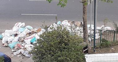 شكوى من انتشار القمامة ومخلفات البناء بميدان ابن سندر بالزيتون