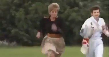 فيديو نادر.. الأميرة ديانا تكسر قواعدها الملكية وتشارك في ماراثون الأمهات