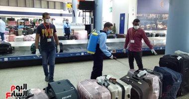 صور.. وصول 298 عالقا مصريا فى رحلة قادمة من جدة لمرسى علم