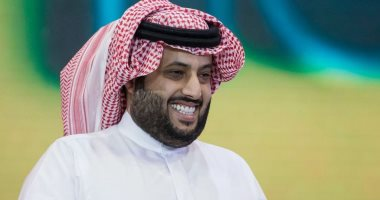 """نجوم الفن يدعمون تركي آل الشيخ فى مباراة """"البلاى ستيشن"""" الخيرية"""