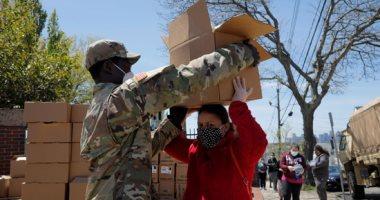 الجيش الأمريكى يوزع طعام مجانى على مواطنى ولاية ماساتشوستس