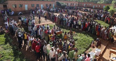 الآلاف يصوتون فى أول انتخابات رئاسية تنافسية منذ عام 1993 ببوروندى