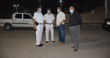 صور.. سكرتير عام محافظة الأقصر يتابع حملات النظافة والتعقيم بالشوارع ليلا