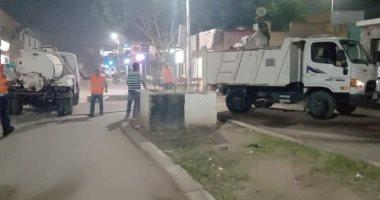 صور.. مدينة الطود تواصل حملات الرش والتعقيم ليلاً لمكافحة العدوى بكورونا