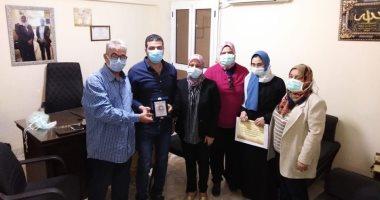 نقابة تمريض الإسكندرية تكرم أسرة ممرضة توفيت متأثرة بإصابتها بفيروس كورونا