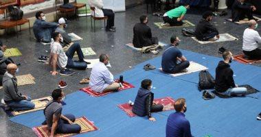 صور.. كنيسة فى برلين تستضيف المسلمين لأداء الصلاة فى ظل قواعد التباعد