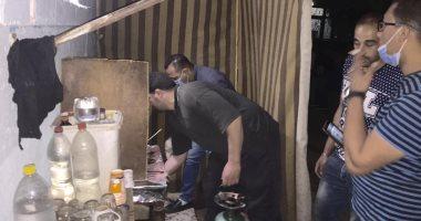 غلق مقهيين ومصادرة محتوياتهما بالمنصورة لمخالفة الإجراءات الاحترازية
