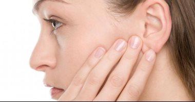 أسباب انسداد الأذن وطرق علاجها منزليا