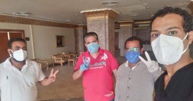 خروج حالتين بعد تعافيهما من فيروس كورونا بنزل شباب الطود بالأقصر