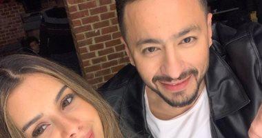 بصورة مع منة عرفة.. حمادة هلال يعلن عن طرح أغنية جديدة أول أيام العيد