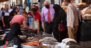 إقبال على سوق الأسماك بالمنيب قبل عيد الفطر المبارك