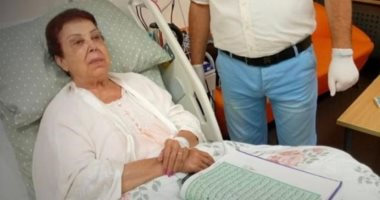 أول صورة للفنانة رجاء الجداوي من داخل مستشفى العزل بالإسماعيلية