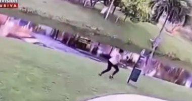 جبروت امرأة.. أمريكية تتخلص من طفلها بإلقائه في النهر بسبب مرضه (فيديو)