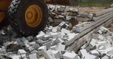 إزالة 34 حالة تعد بالبناء على الأراضي الزراعية وأملاك الدولة بالمنيا