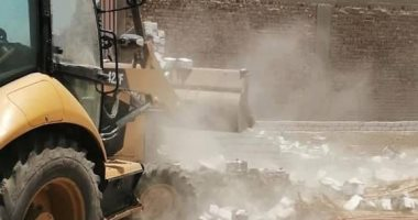 محافظ سوهاج: إزالة 38 حالات تعدٍ على الأراضى الزراعية خلال أيام عيد الفطر