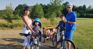 """رحلة عائلية بالدراجات.. رونالدو والعائلة في جولة جديدة """"صورة"""""""