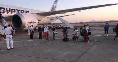 صور.. رحلة استثنائية تقل 245 من العالقين بالإمارات تصل مطار مرسى علم