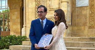 سفير باريس ببيروت يكرم ماجدة الرومى والفنانة تشيد بالعلاقات الفرنسية اللبنانية