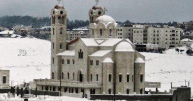 الأردن يعلن فتح المساجد والكنائس ابتداء من السبت وإلغاء الحظر الشامل كل جمعة