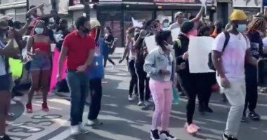 """متظاهرون يعبرون عن رفضهم لوفاة جورج فلويد بـ""""الرقص"""".. فيديو"""
