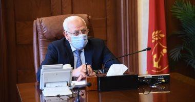 """رئيس حى الضواحى ببورسعيد يكشف تفاصيل غلق مقاهى مخالفة: """"الناس شافونا وجريوا"""""""