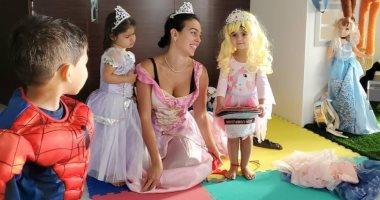 الأميرات والأبطال الخارقين يغزون منزل كريستيانو رونالدو.. صور