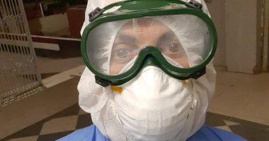 """الجيش الأبيض.. """"بلال"""" أخصائى تحاليل طبية بمستشفى صدر دكرنس يواجه فيروس كورونا"""