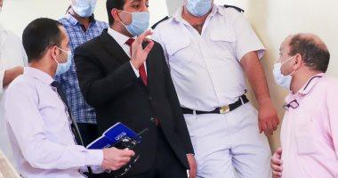 نائب محافظ قنا يتابع انتظام سير العمل وتوافر المستلزمات الطبية بمستشفى قفط