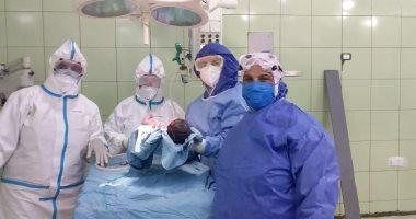 مصابة بكورونا ترزق بمولودتها الأولى بمستشفى كفر الدوار بعد 11 سنة تأخر إنجاب