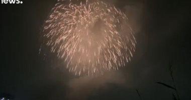 """فيديو.. الألعاب النارية تضيء سماء اليابان """"تضرعًا"""" للقضاء على كورونا"""