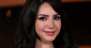 إنجي علاء تطلب الدعاء لأسرة أحمد فتحي لاعب الأهلي بعد إصابتهم بكورونا